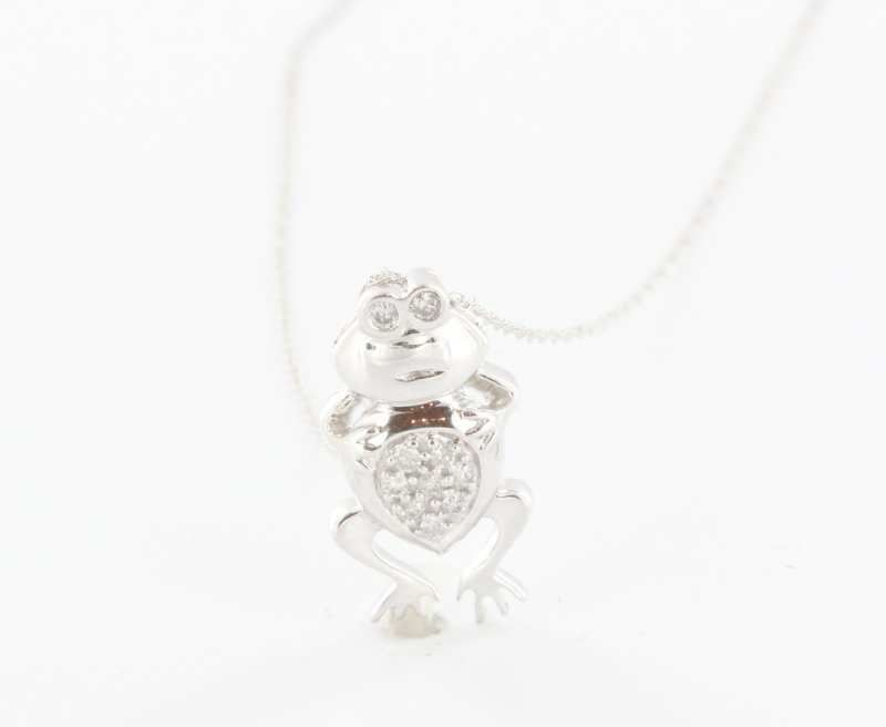 Estate 10 Karat White Gold Diamond Frog Pendant Necklace Fine Jewelry Pre-Owned Used