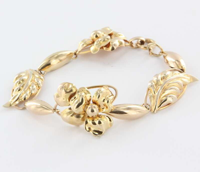 Vintage 10 Karat Yellow Gold Repousse Leaf Flower Bracelet Estate Fine Jewelry Heirloom