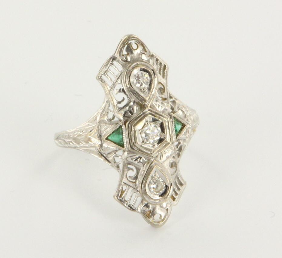 Vintage Art Deco 18 Karat White Gold Diamond Emerald Filigree Cocktail Ring Estate 8