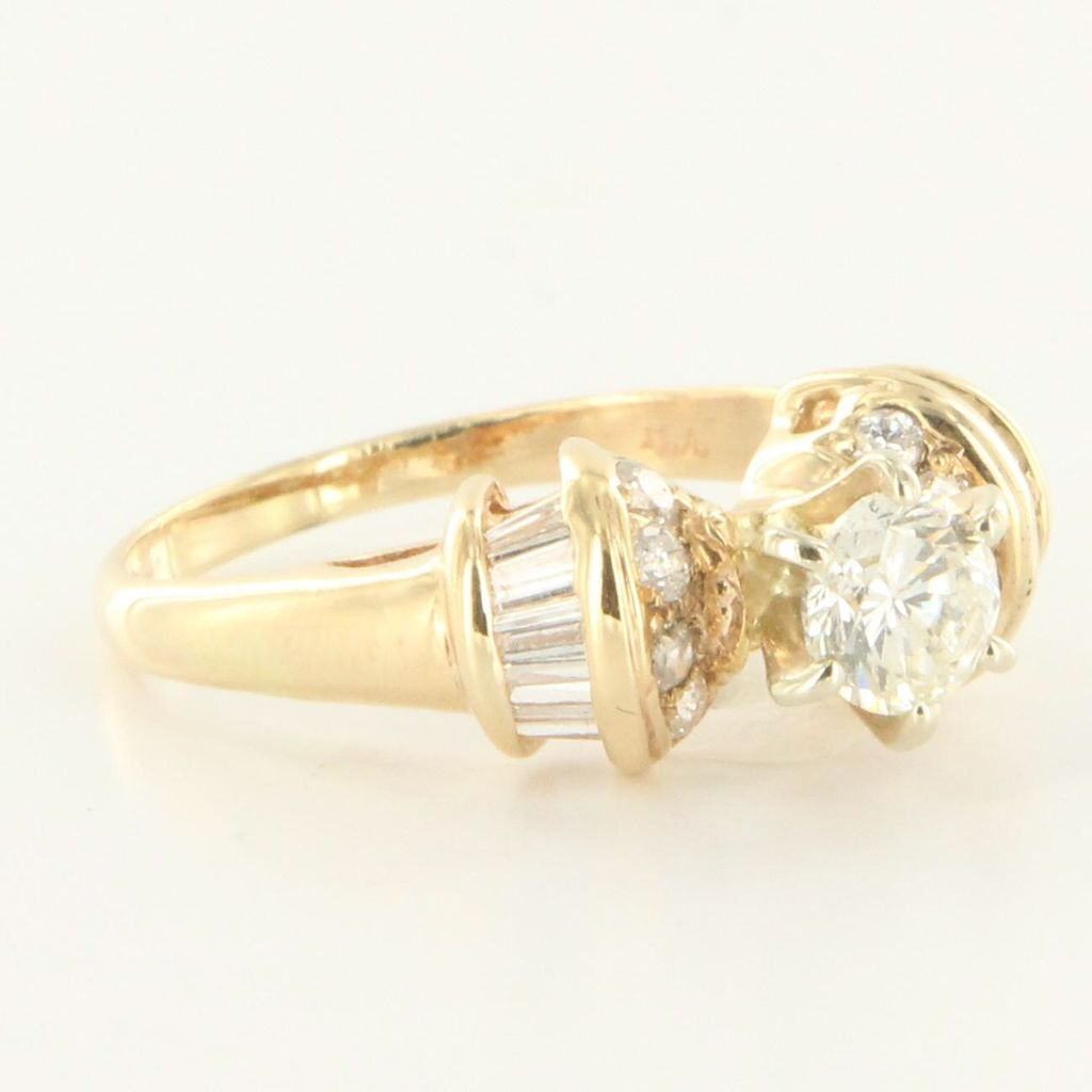 vintage 14 karat yellow gold engagement ring