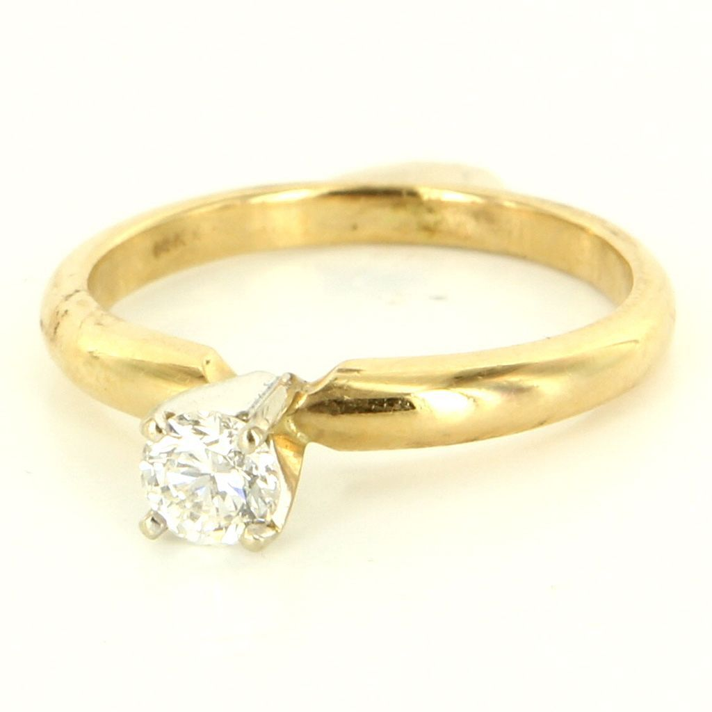 Vintage 14 Karat Yellow Gold Diamond Engagement Ring Fine Estate Jewelry  Used