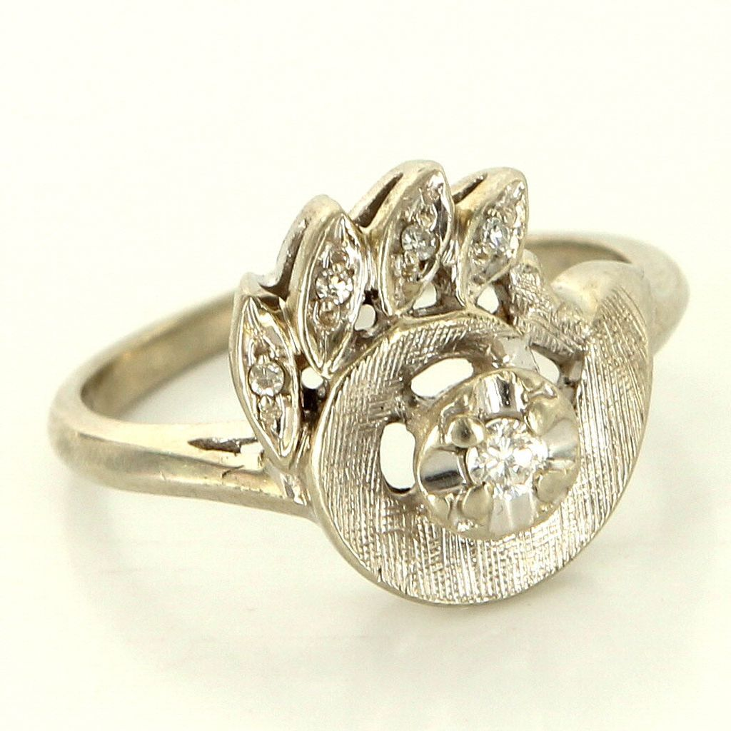 Vintage 14 Karat White Gold Diamond Cocktail Ring Fine Estate Jewelry Pre-Owned