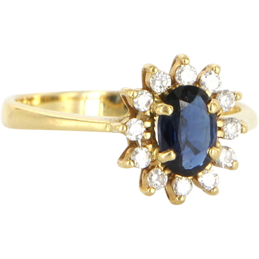 Vintage 18 Karat yellow Gold Diamond Sapphire Princess Cocktail Ring Estate