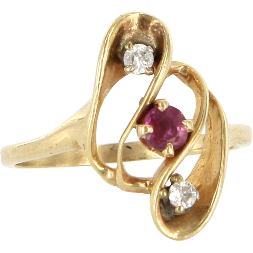 Vintage 14 Karat Yellow Gold Ruby Diamond Small Cocktail Ring Fine Jewelry
