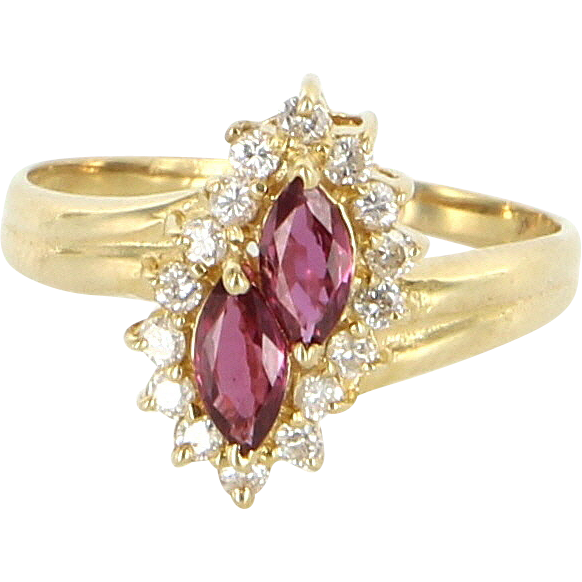 Vintage 18 Karat Yellow Gold Diamond Natural Ruby Small Cocktail Ring Estate