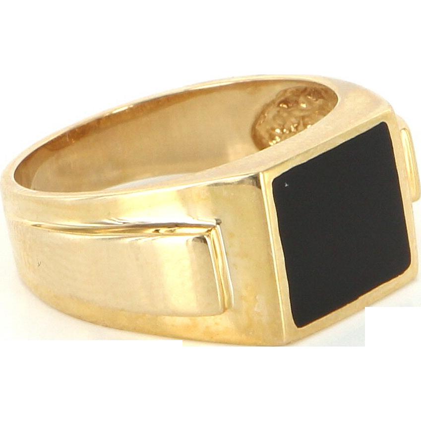 Vintage 14 Karat Yellow Gold Inlaid Onyx Mens Cocktail Ring Fine Estate Jewelry