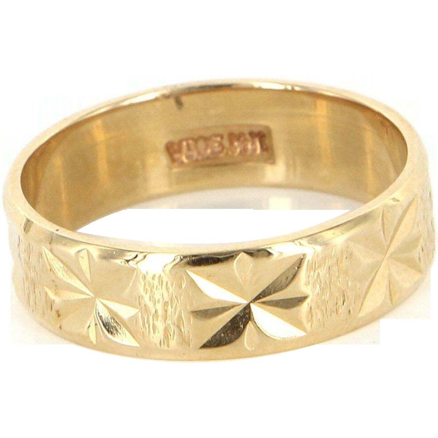 Vintage 14 Karat Yellow Gold Star Pattern Wedding Band Ring Fine Estate Jewelry