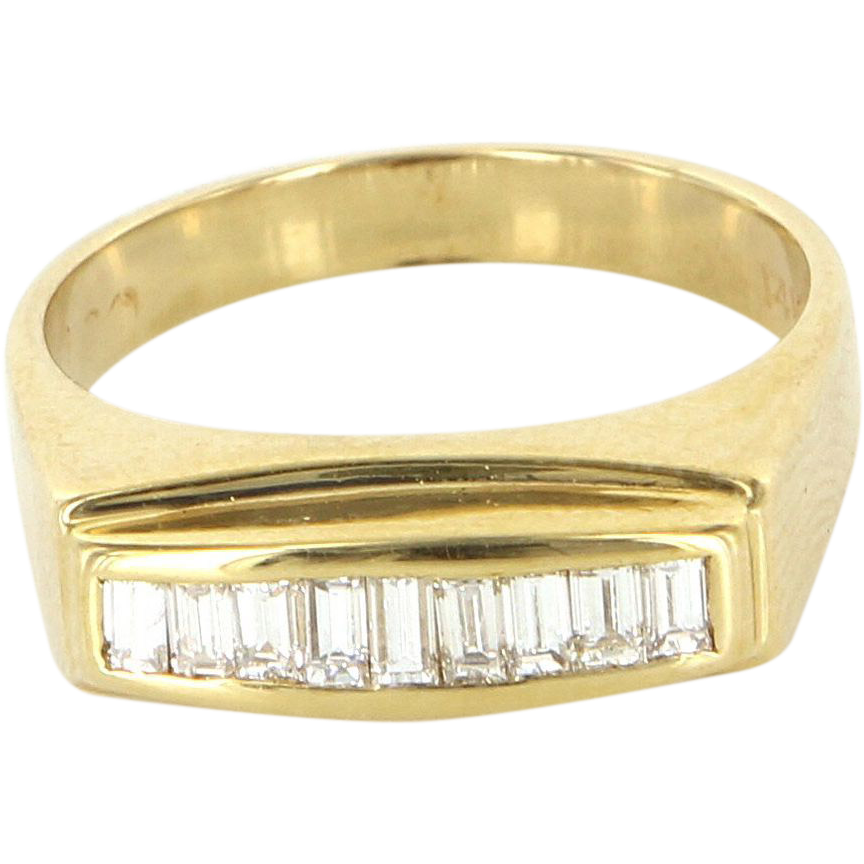 Vintage 14 Karat Yellow Gold Diamond Mens Dress Ring Fine Estate Jewelry