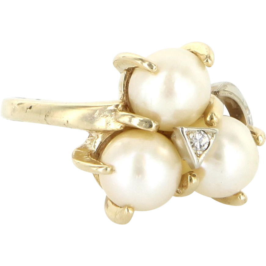 Vintage 14 Karat Yellow Gold Diamond Three Cultured Pearl Cocktail Ring Estate