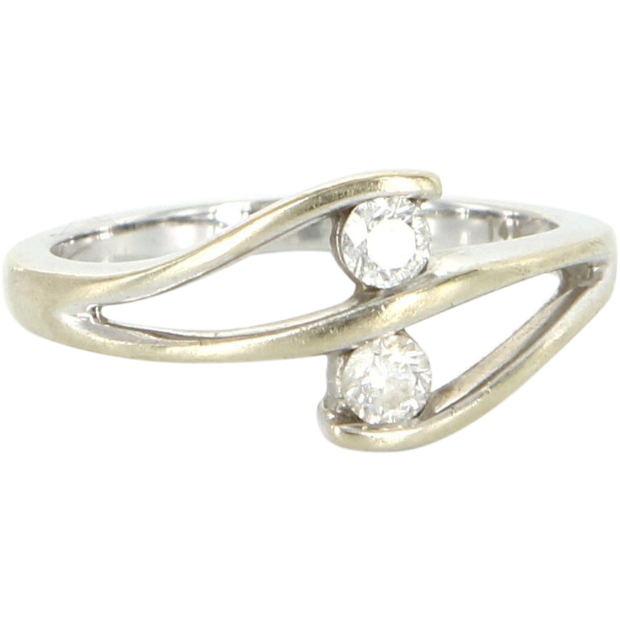 Vintage 14 Karat White Gold Two Diamond Ring Fine Estate Jewelry Pre-Owned