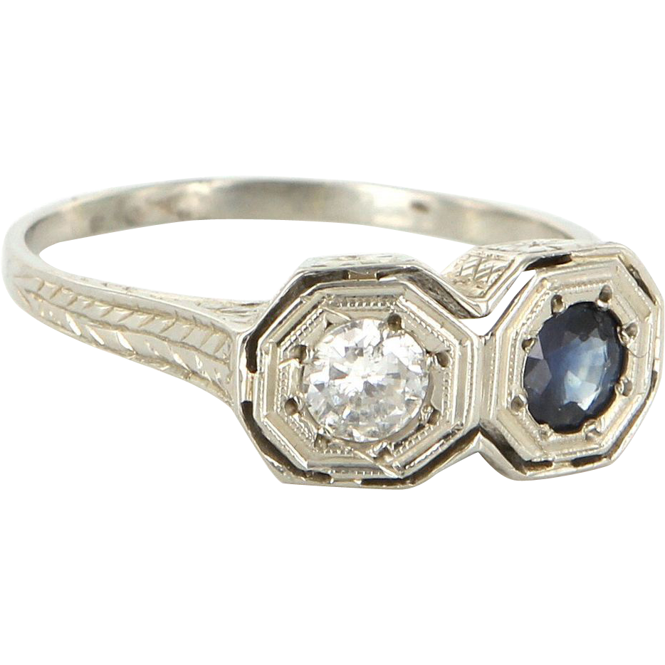 Vintage Art Deco 18 Karat White Gold Sapphire Diamond Etched Wreath Pattern Ring Fine Estate Jewelry