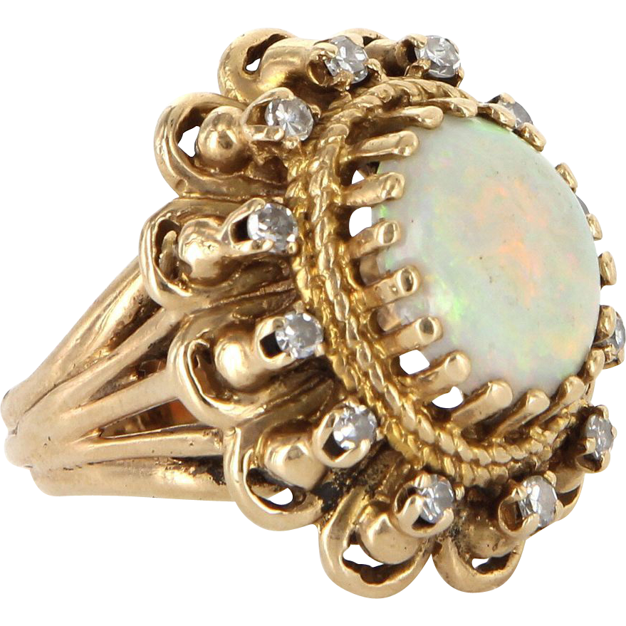 Vintage 14 Karat Yellow Gold Natural Opal Diamond Oval Princess Cocktail Ring Estate Jewelry