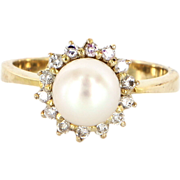 Vintage 14 Karat Yellow Gold Cultured Pearl Diamond Princess Cocktail Ring Estate Jewelry