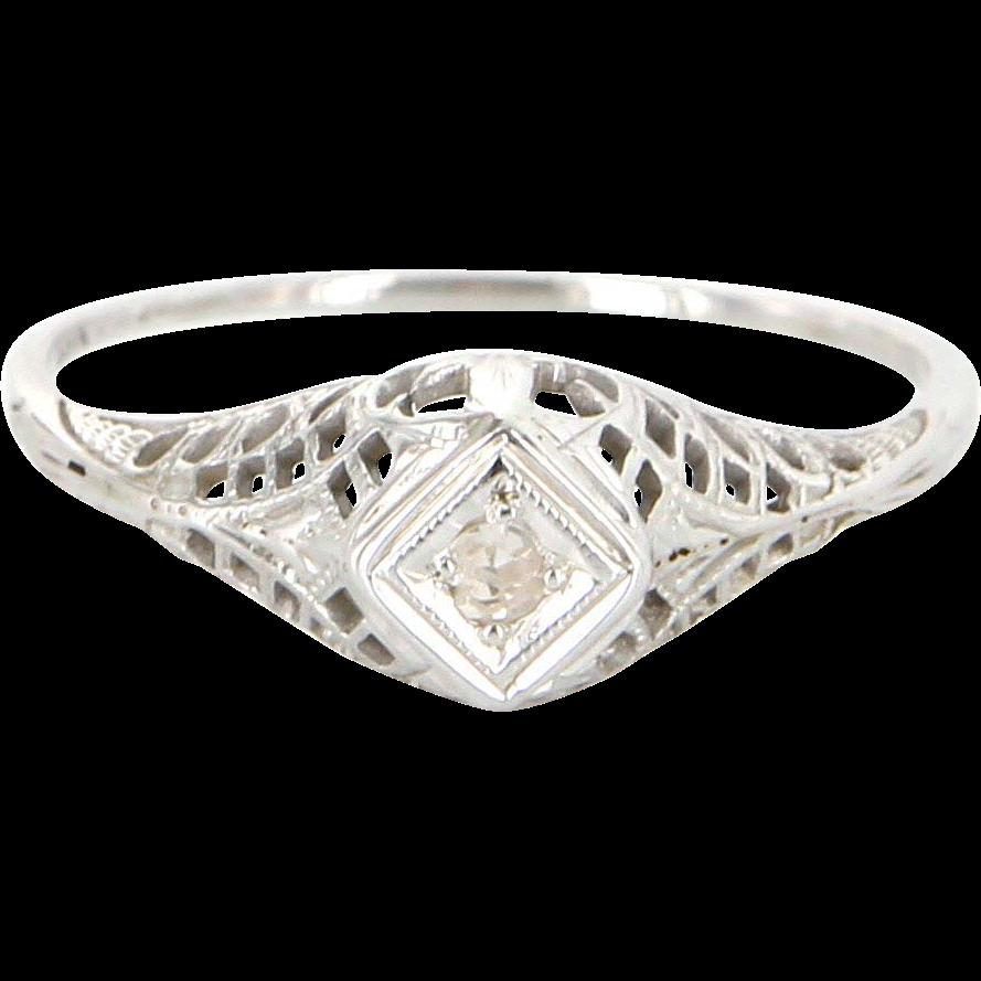 Art Deco 18 Karat White Gold Diamond Filigree Small Engagement Right Hand Ring Vintage Estate Jewelry