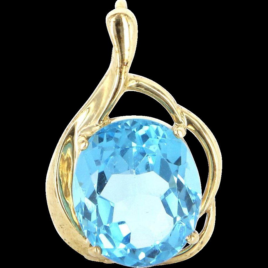 Vintage 10 Karat Yellow Gold Blue Topaz Cocktail Pendant Fine Estate Jewelry