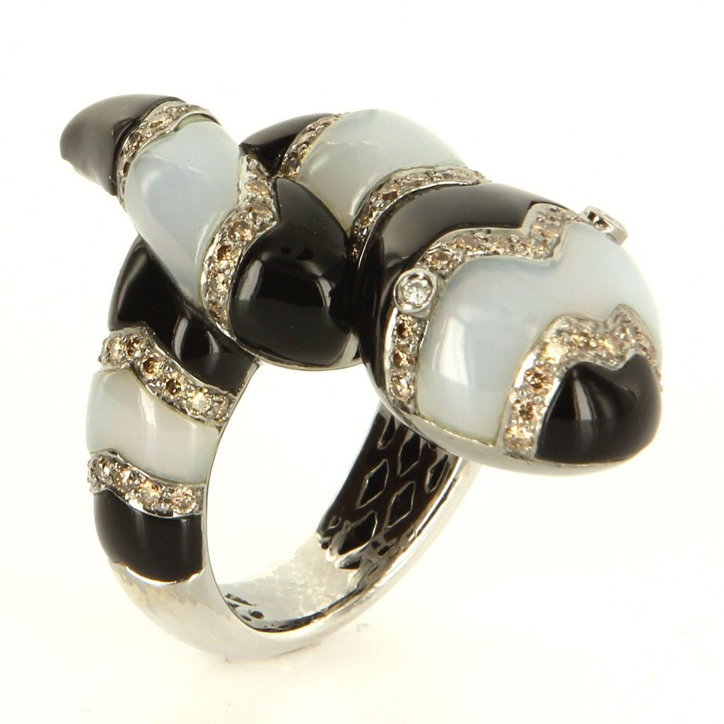 Estate 18 Karat White Gold Diamond Onyx Chalcedony King Snake Cocktail Ring