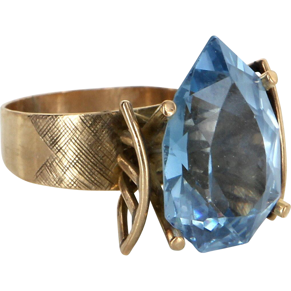Retro 60s Vintage Blue Topaz Cocktail Ring 14 Karat Yellow Gold Estate Fine Jewelry
