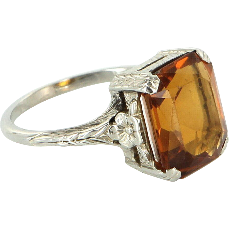 Vintage Art Deco 10 Karat White Gold Citrine Etched Foliate Flower Cocktail Ring