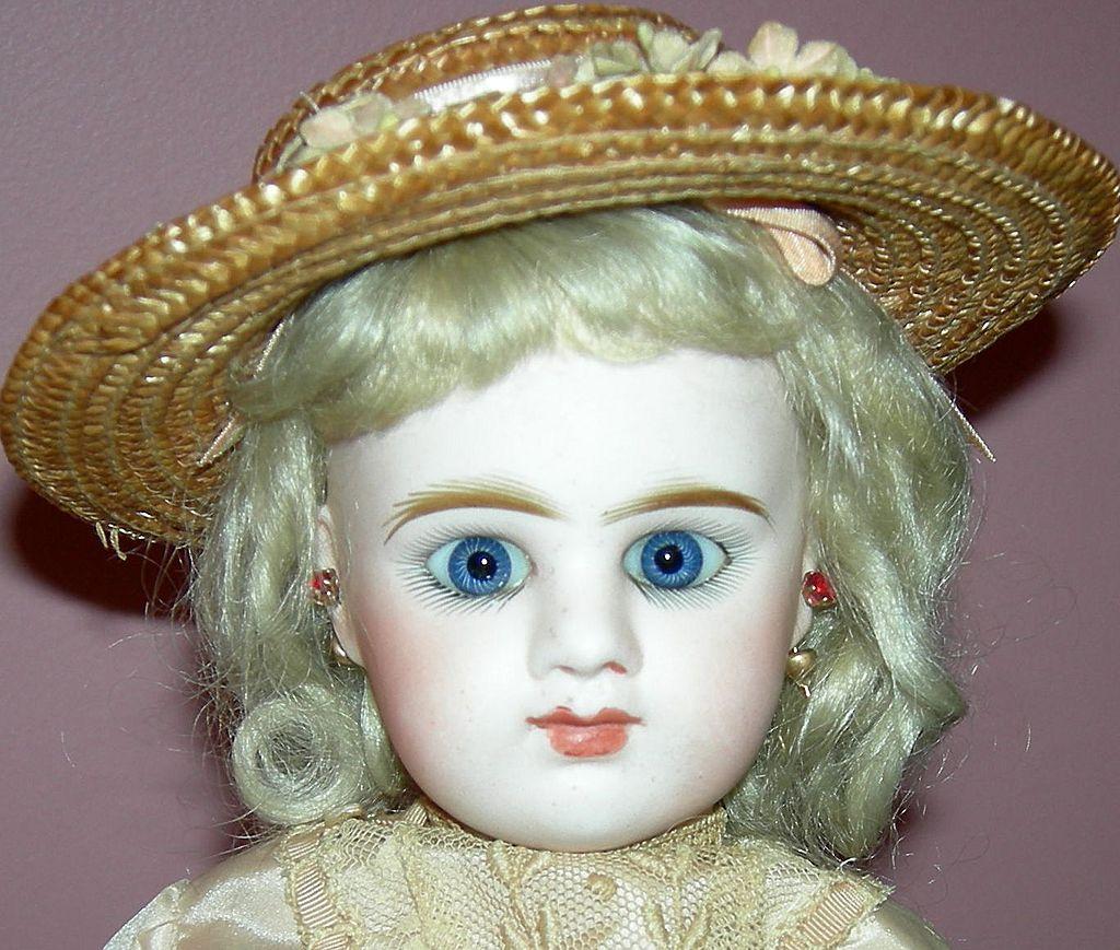 """Antique French Doll - E5D Depose - Etienne Denamur of Paris - 14"""" - ca 1889"""