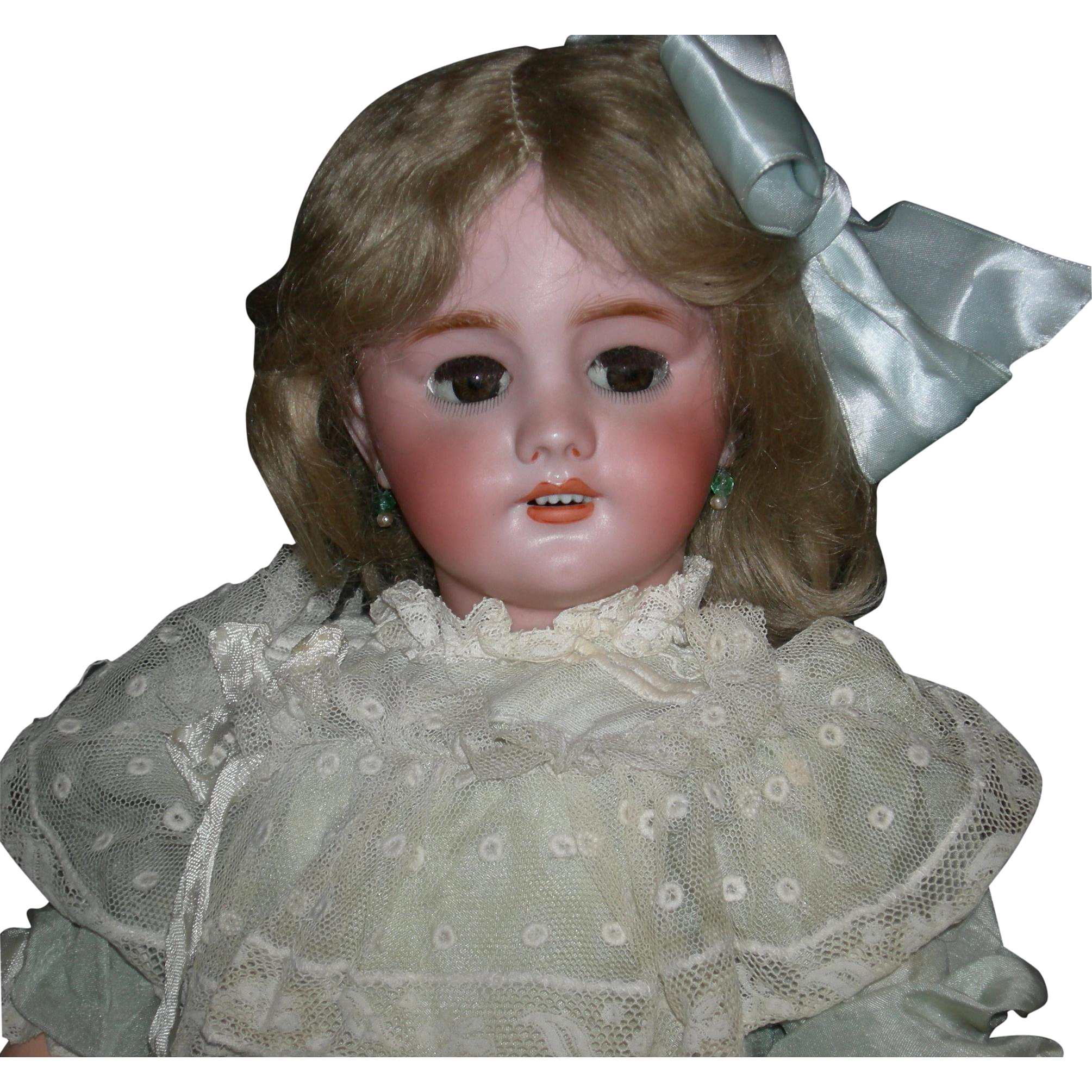 "FRENCH  DEP 9 - Brown Sleep Eyes w/ Real Hair Eyelashes - Pierced Ears w/ Earrings - Original Body Finish - 21"" - Pretty Clothes!!"
