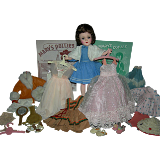 Marvelous!! - MARY HOYER - w/ Trunk & Clothes (Most Tagged) & Shoes & Accessories - Hard Plastic!! - Excellent Condition!!