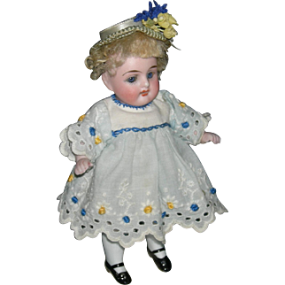 """ALL BISQUE - 6"""" - Blue Sleep Eyes - Original Wig - Cute Clothes!! - Germany!!"""
