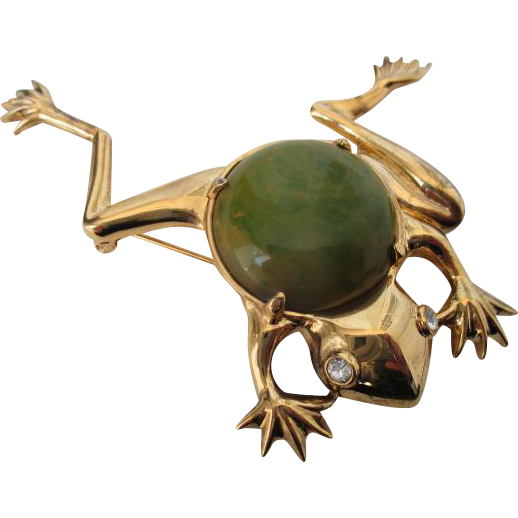 We are offering this fun vintage signed KRAMER OF NEW YORK Bakelite Frog brooch.