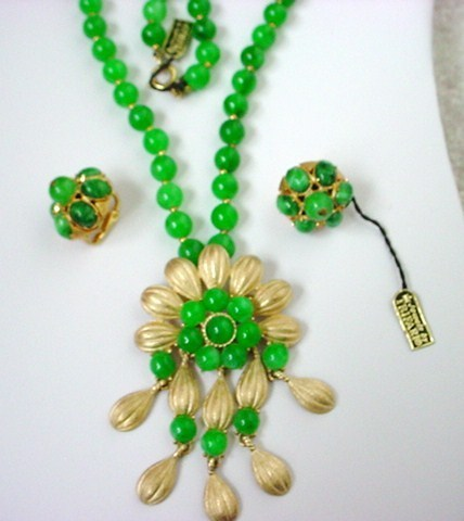 Vintage Signed TRIFARI Green Converter Necklace Brooch Earrings