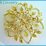 Signed Vintage SARAH COVENTRY Open work Floral Brooch