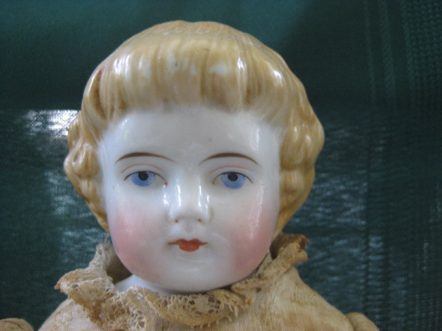 dating german china head dolls Identify an early porcelain doll by a head made out of bisque or porcelain and a leather or cloth body early makers of dolls included bahr and proschild, the heubach family, william goebel and bru jne and cie.