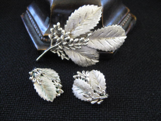 Vintage Signed Trifari Set Brushed Silver Leaf Brooch and Earrings