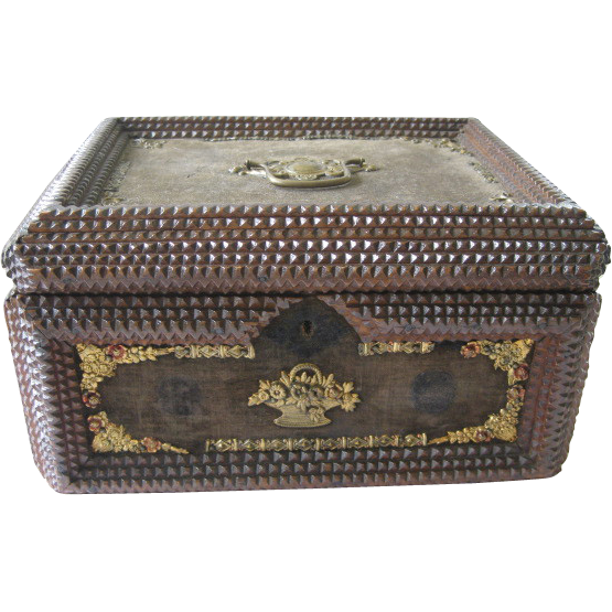 Large Antique Lidded Tramp Art Box