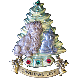 Vintage Holiday Christmas Pin with Dog and Cat