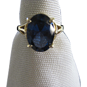 Vintage Yellow 14 K Gold Ring with Large Blue Sapphire Stone