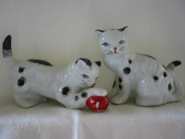 Pottery Cat Figures