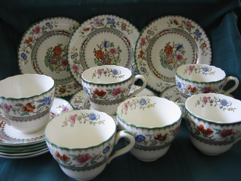 Staffordshire Copeland Spode Tea or Coffee Set   Chinese Rose Pattern
