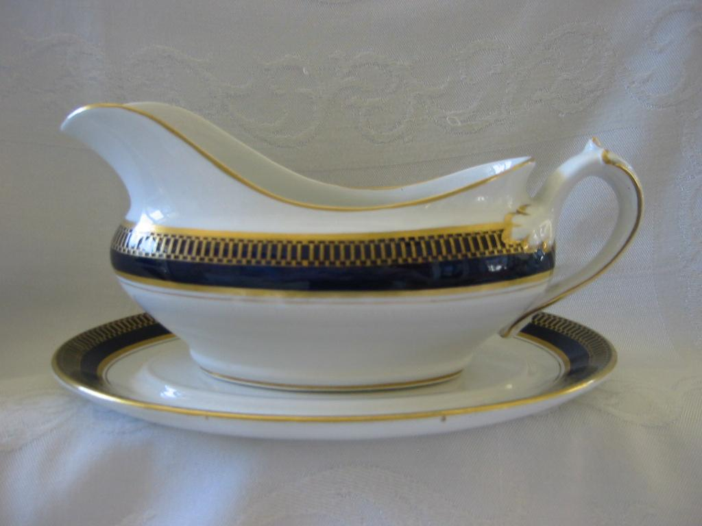 So Ho Pottery Solian Ware Gravy/Sauce Boat with Underplate