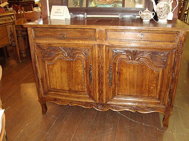French Louis XV sideboard buffet circa 1800