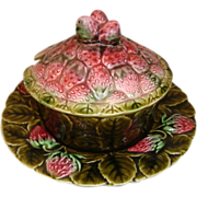French green majolica barbotine sauce-boat bowl by Sarreguemines