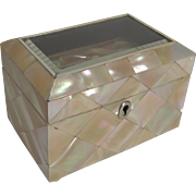Antique English Single Compartment Tea Caddy In Mother of Pearl c.1860