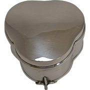 English Sterling Silver Trefoil Shaped Jewelry Box - 1919