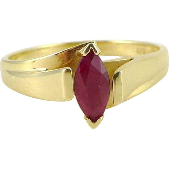Vintage Modernist Estate Ruby Ring Set in 14K Gold