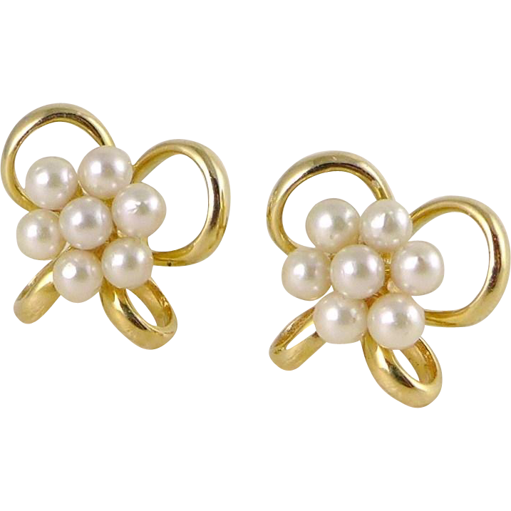 Vintage 14K Gold Cultured Pearl Earrings In The Form of a Bow