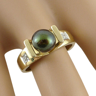 Vintage 14K Black Pearl Ring With Diamond Accents