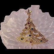 Festive Rhinestone Open Workmanship Gold Plate CHRISTMAS Tree Brooch