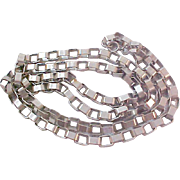 UNIQUE~CHARMING Oval Joined Silver-Plate chain link Necklace.