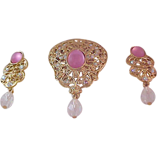 Top of the line Demi-Parure Victorian Inspired Filigree Dangle Brooch & Dangle Earrings