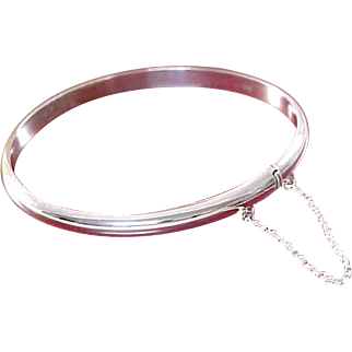 Sophisticated Sterling Silver~Hallmark 925 ~ Bangle With Safety Chain