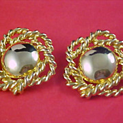 Fabulous  - Open Design GOLD PLATE Clip Earrings - Ca 1950's