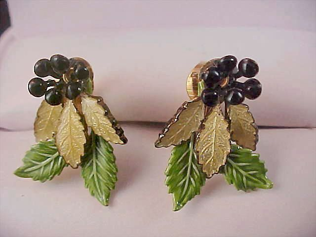 Free Ship ~ 1940's Yellow-Black-Green All Metal Floral Clip Earrings